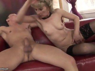 Horny old lady Margarette fucks with a younger man hairy blowjob xxxvideo