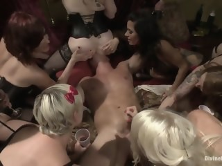 The power of women! hardcore brunette xxxvideo