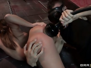 Jynx Maze meets Keiran Lee with his hot fucking quipment dildos/toys natural tits xxxvideo