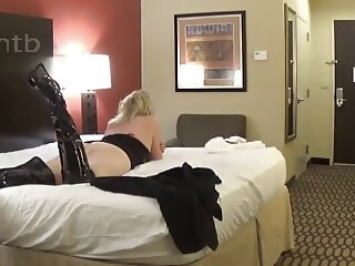 M.A cuck lends his wife to a bull wife lends xxxvideo