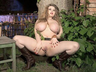 The Night Belongs To Larissa - Larissa Linn - Scoreland larissa belongs xxxvideo