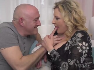 Italian housewife, Valentina is cheating on her husband with his boss, every once in a while valentina housewife xxxvideo