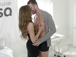 Aila Donovan - Come On hardcore brunette xxxvideo