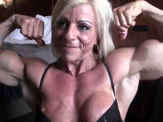 Sexy Mature Muscle Milf Fuck With Condom Cock & Blowjob In Bedroom blonde big tits xxxvideo