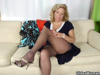 Grandma's night out starts with solo sex masturbation solo female xxxvideo