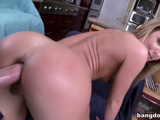 Sheena Shaw In Hardcore Anal Sex blond swallow сum xxxvideo