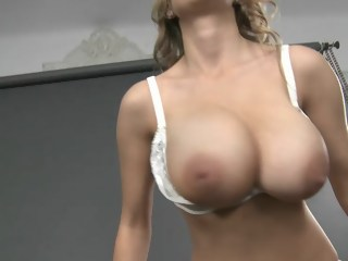 Huge beautiful natural tits! blond milf xxxvideo