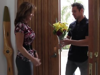 Bringing flowers to his best buddy's mom milf blowjob xxxvideo