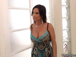 Diamond and her son's friend milf brunette xxxvideo