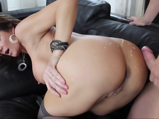Mother's Day! brunette anal xxxvideo