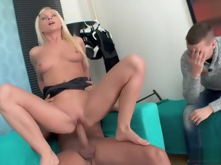 Hot blonde girlfriend with a heavenly ass enjoys a rough anal pounding   xxxvideo