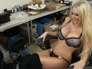 An assistant who helps me... blond milf xxxvideo