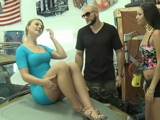 Convinces hot ass Lindsay to go all the way for a money hardcore blond xxxvideo