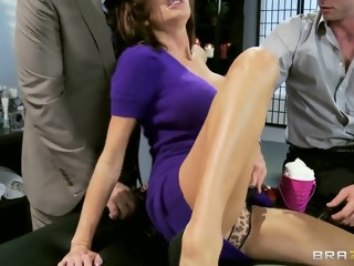 Veronica Avluv first time double penetration milf big tits xxxvideo